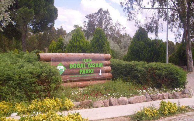 أنشطة في حديقة الحيوانات في أزمير تركيا