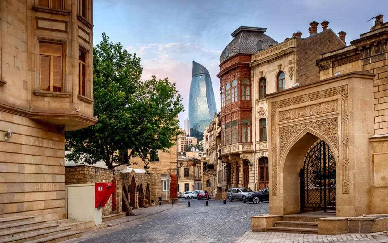 اكتشف اروع شوارع مدينة باكو فى اذربيجان