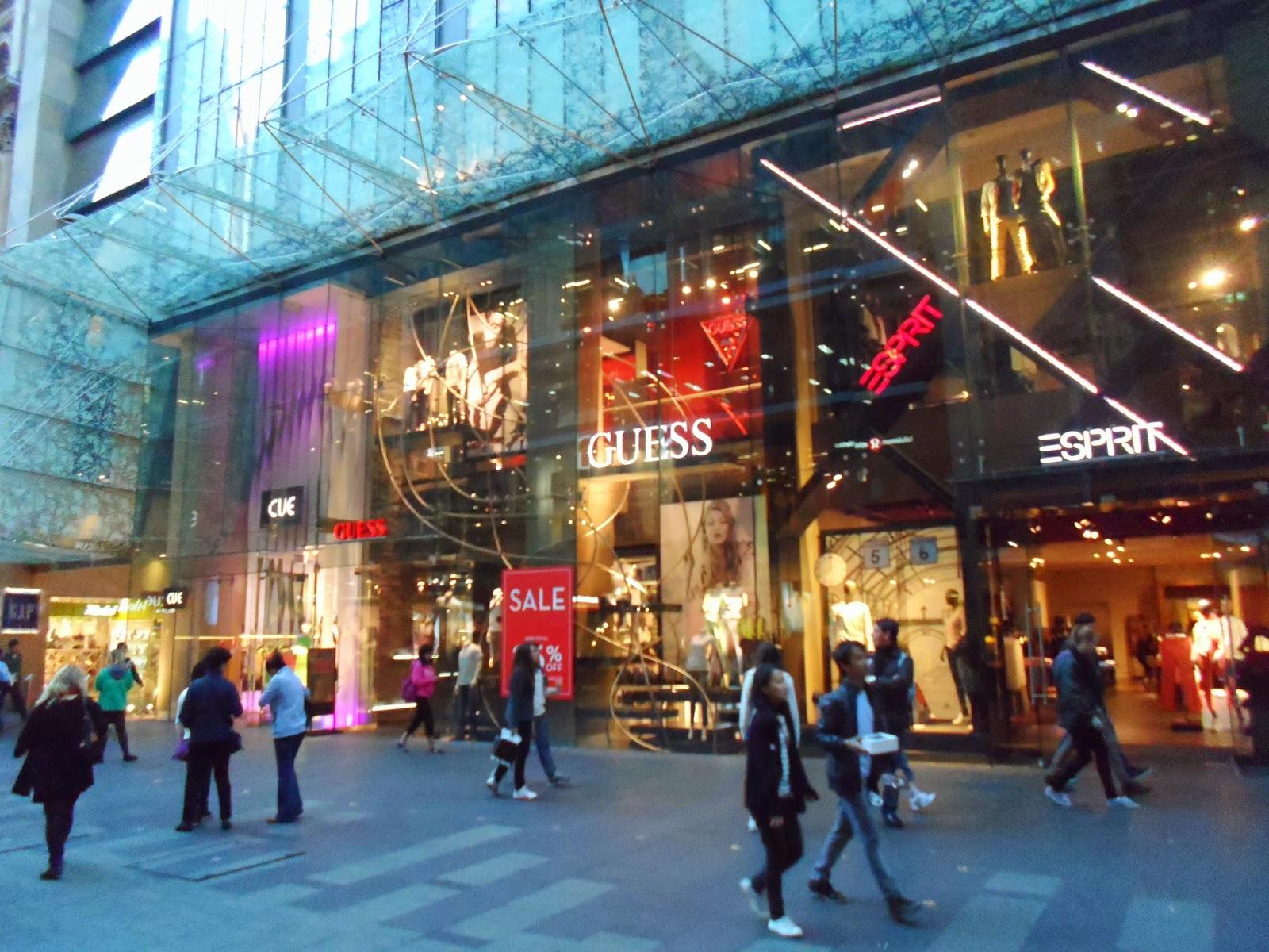 اشهر اماكن تسوق في باريس