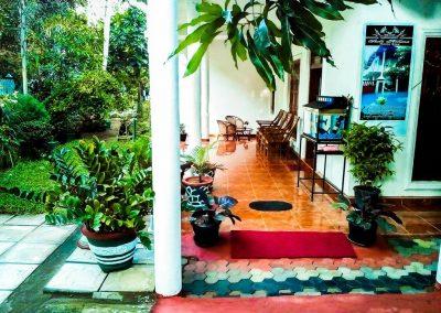 افضل الاماكن السياحيه في بولوناروا (6)