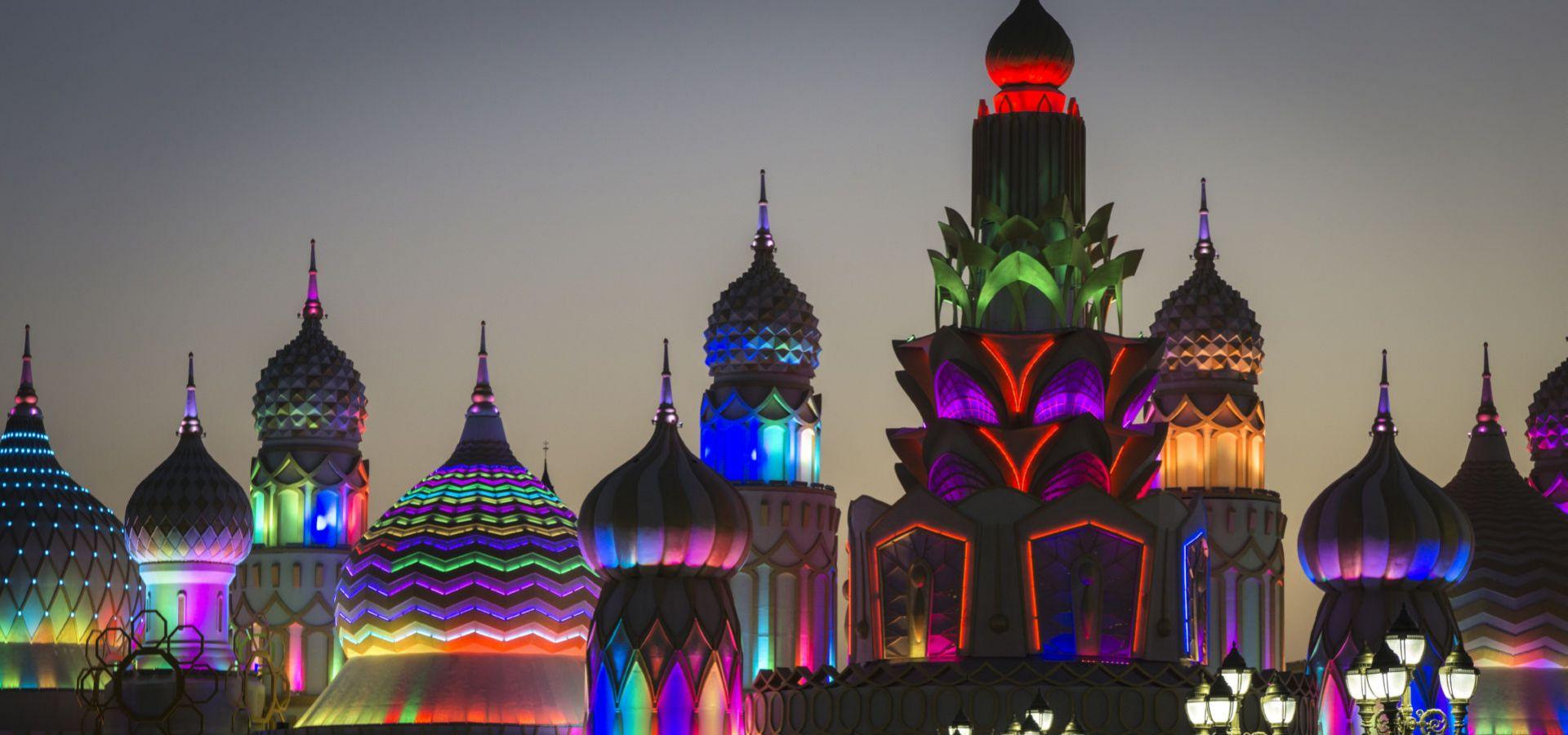 اهم الانشطة السياحية فى القرية العالمية في دبي | القريه العالميه فى دبى الامارات