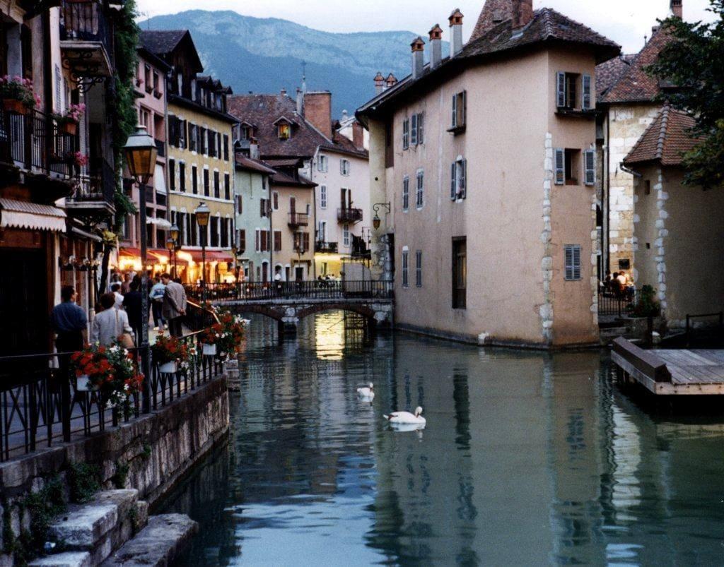 تعرف علي مدينة العشاق في فرنسا