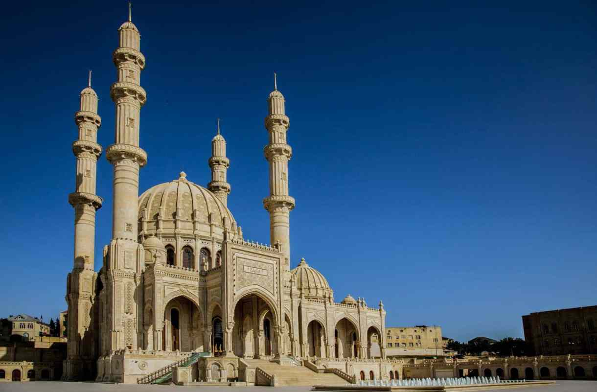 جمال وروعه مسجد باب الهيبة فى باكو
