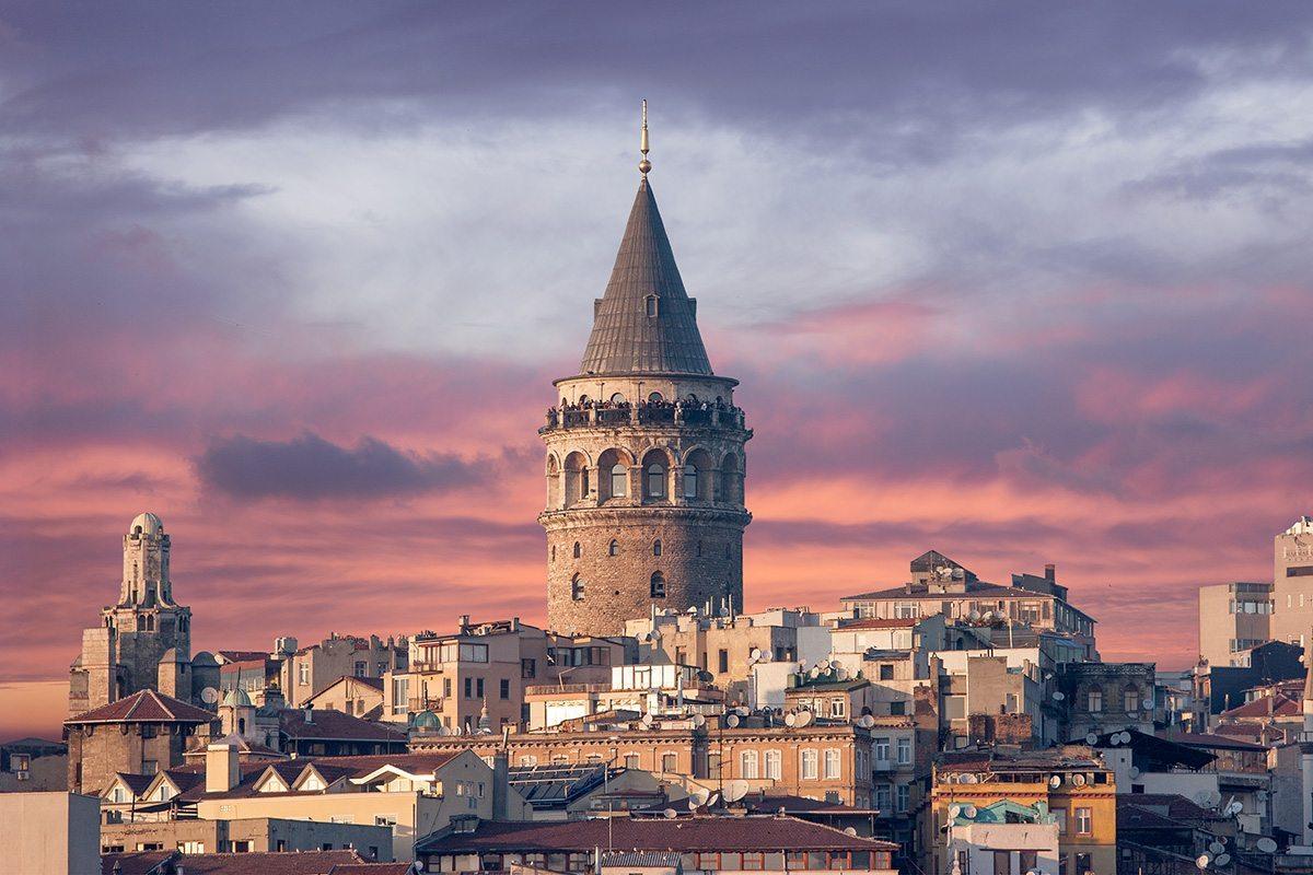 أنشطة في برج غلطة أسطنبول تركيا
