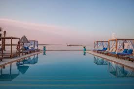 أنشطة في شاطئ ياس أبوظبي الامارات