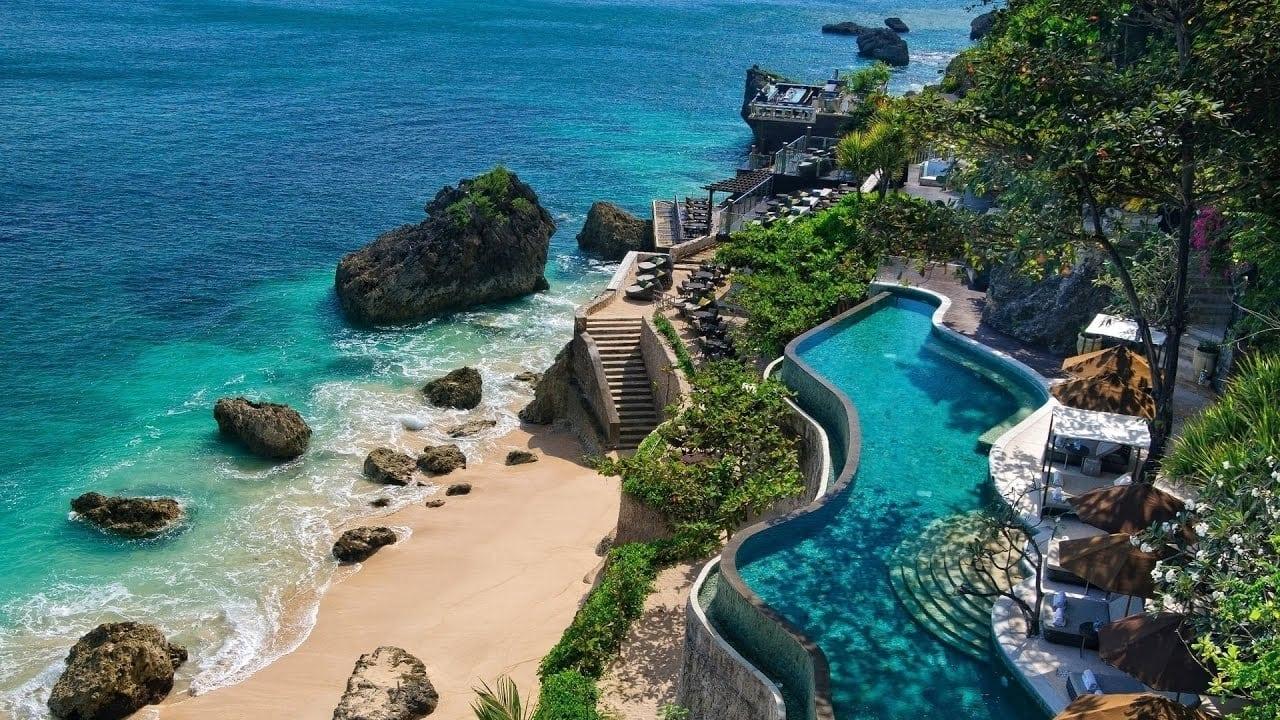 السياحية في جزيرة سومطرة اندونيسيا