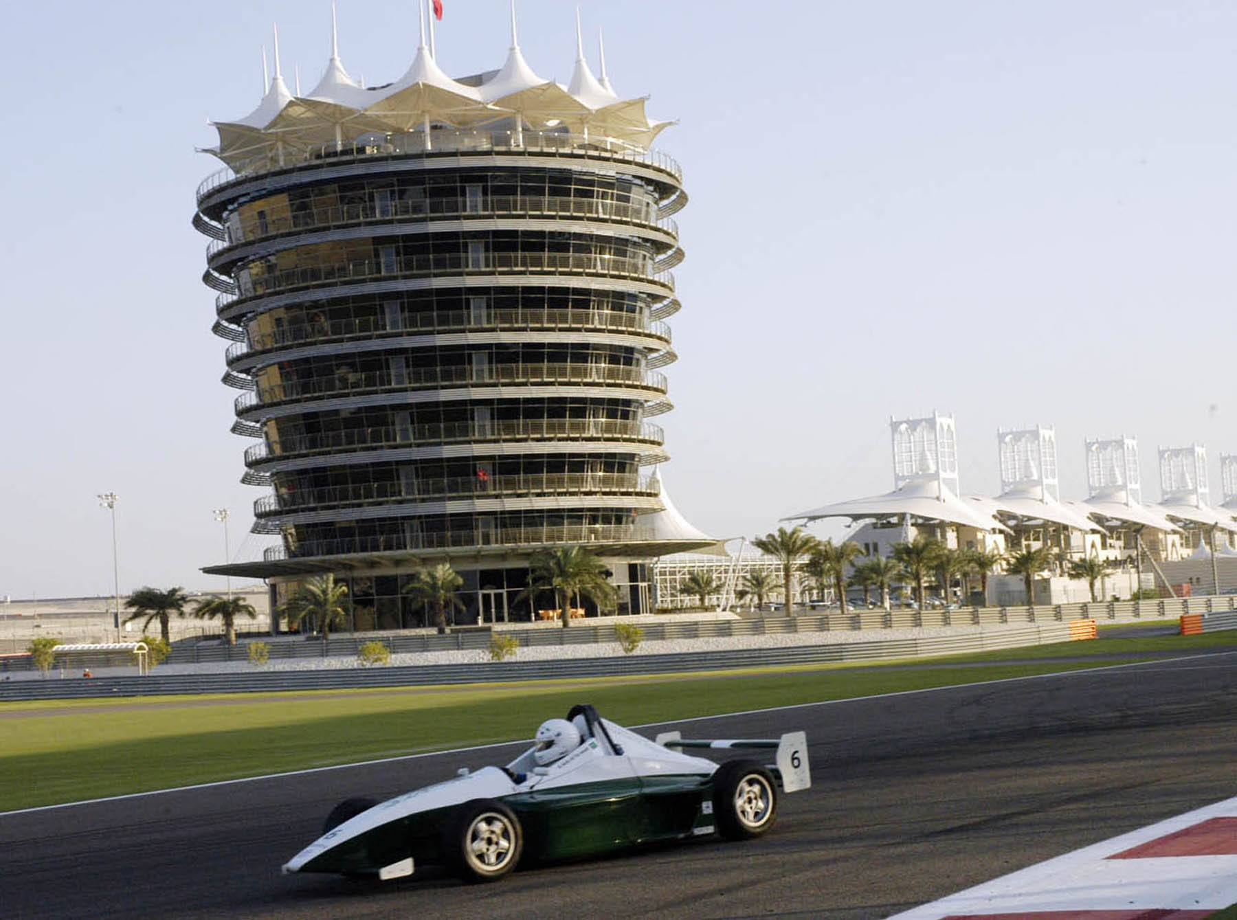 البحرين بلد الروعه والجمال بلد المليون نخلة | اهميه السياحة فى البحرين