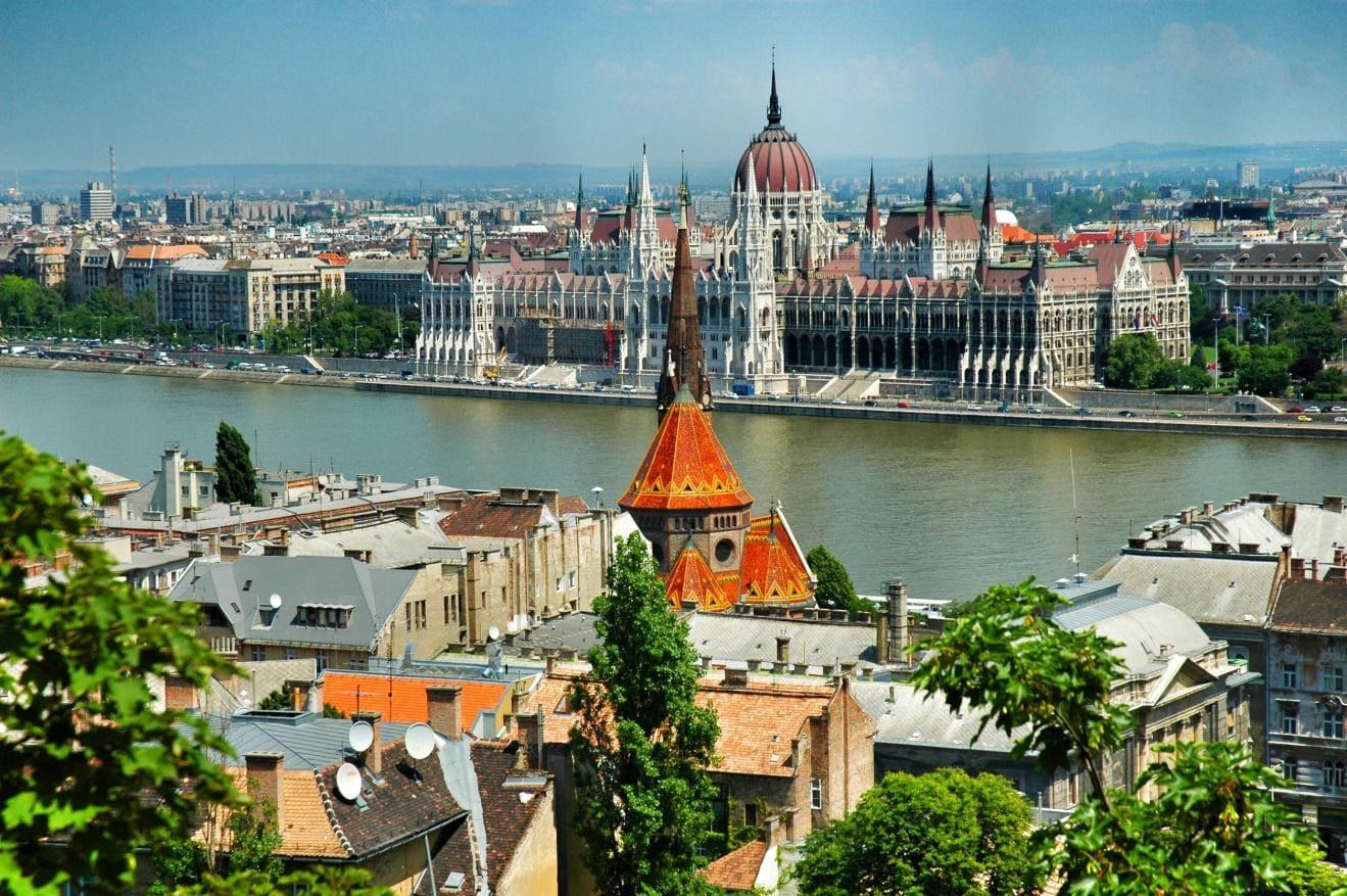 دليل السائح إلى بودابست (2)