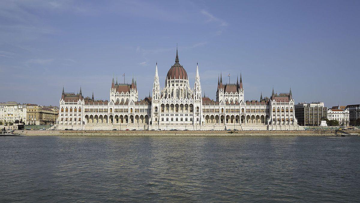 دليل السائح إلى بودابست (4)