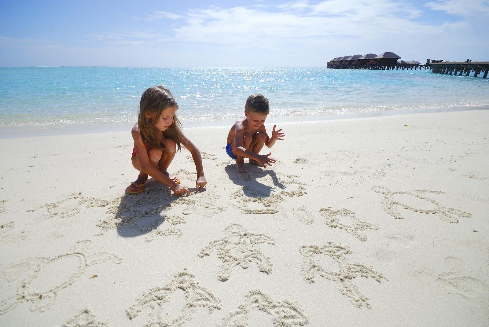 روعه السفر الي جزر المالديف مع الاطفال (4)