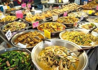 سوق المأكولات التايلندية