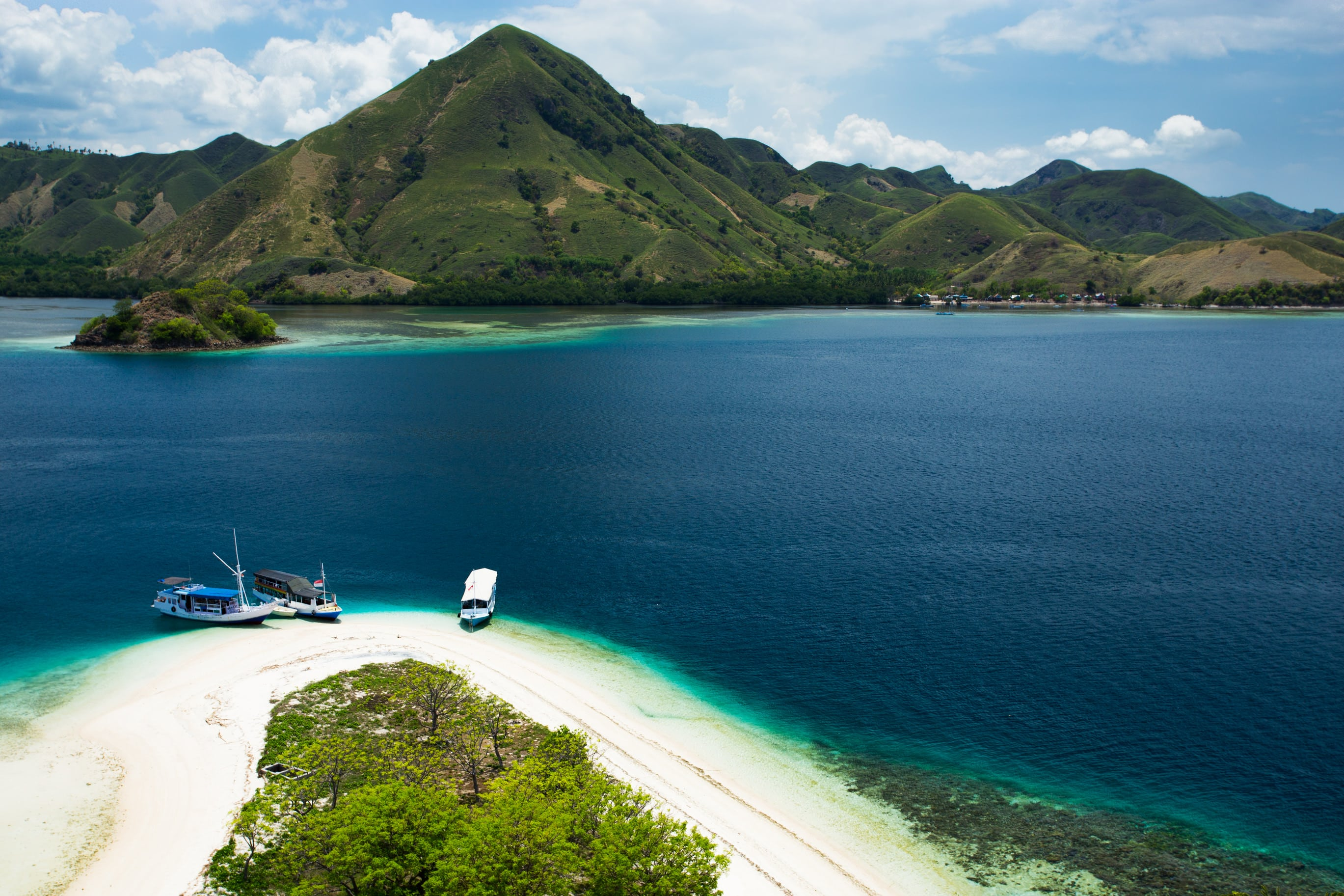 بحيرة سيتو بابا كان اندونيسيا