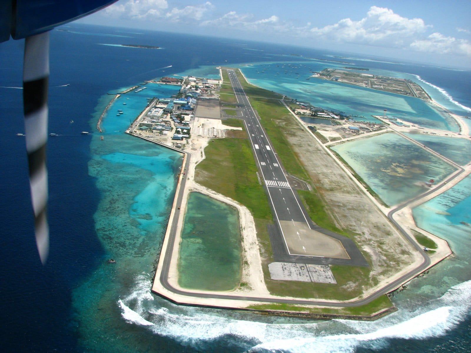 كيفية الوصول الي المالديف و التنقل الداخلي