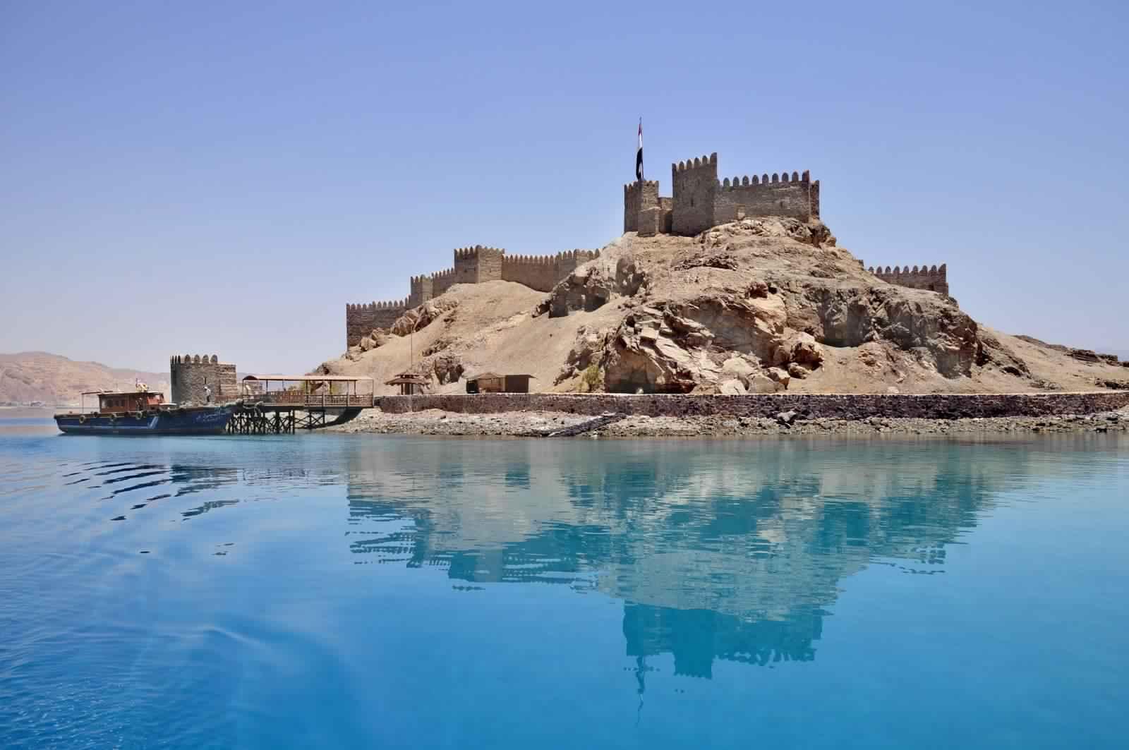قلعة-صلاح-الدين-في-جزيرة-فرعون