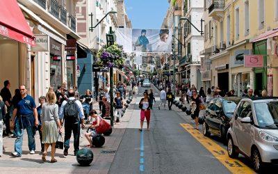 جولة في شارع لا كروازيت في فرنسا