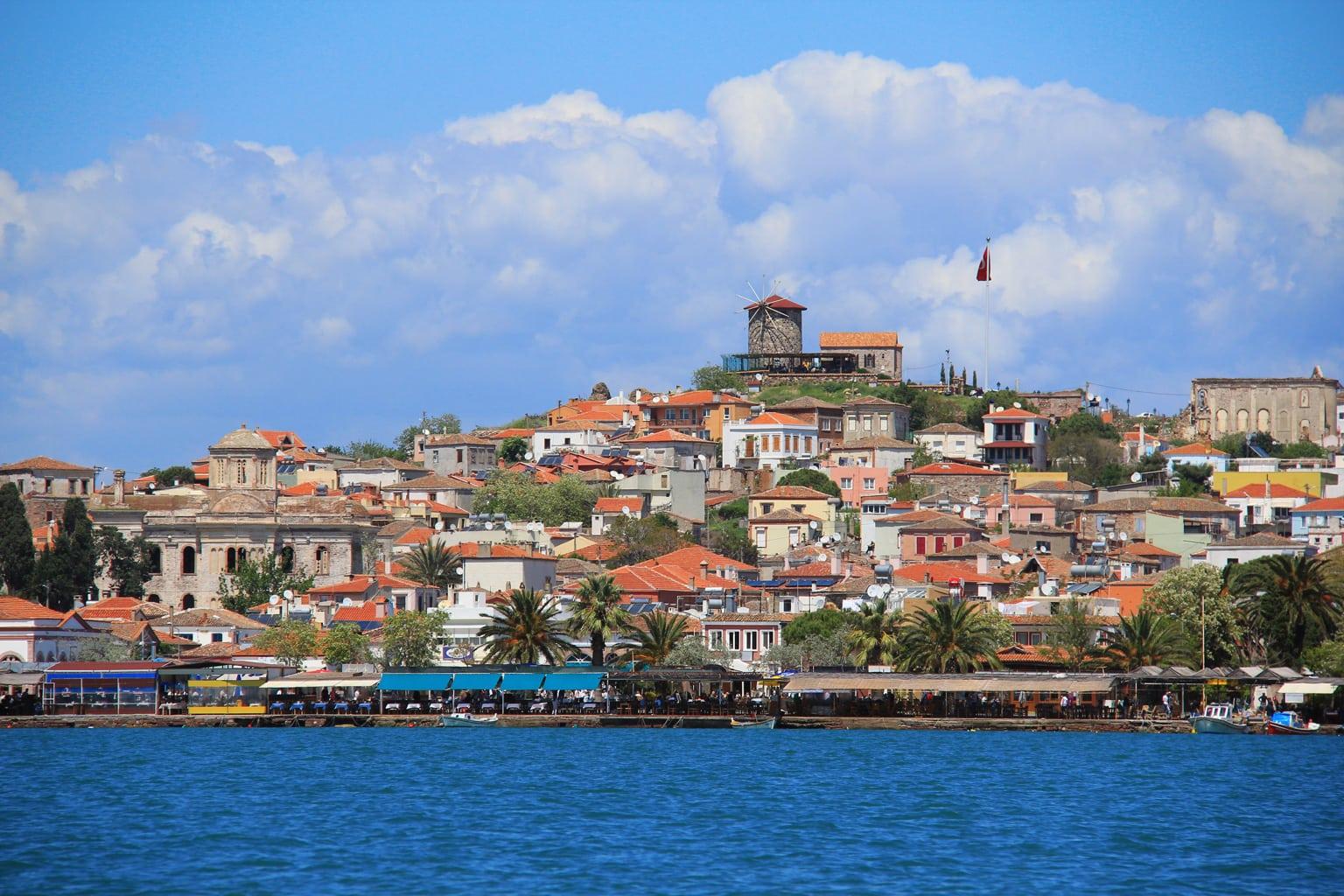 مدينه ايفاليك تركيا