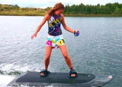 التزلج على الماء مع تزلج هوائي