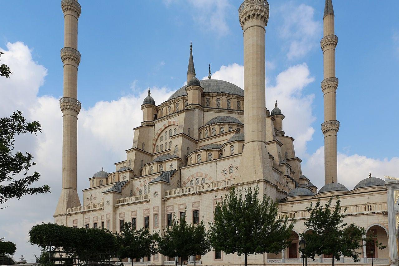المسجد المركزي سابانجي تركيا