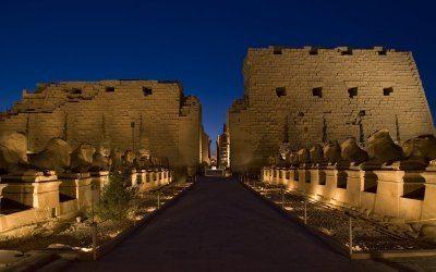 جولة سياحية فى معبد الاقصر و الكرنك
