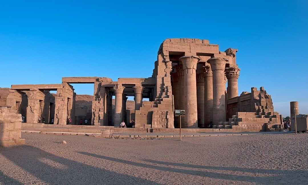 Edfu Temple 및 Kom Ombo Aswan 투어