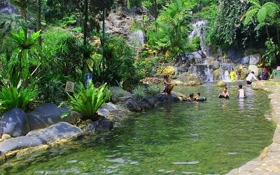 Tour in the hot spring resort of Indonesia