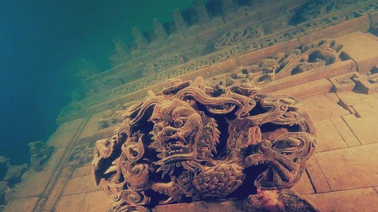 قصر كيلوبترا الغارق مصر