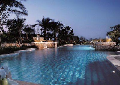 ذا ريتز كارلتون جاكارتا، ميجان كونينان The Ritz Carlton Jakarta, Mega Kuningan