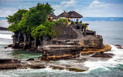 Tour in Tanah Lot temple in Bali