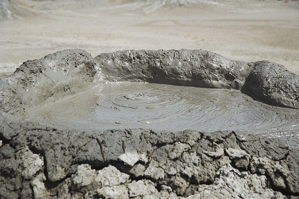البراكين الطينية فى جوبوستان الأذربيجانية