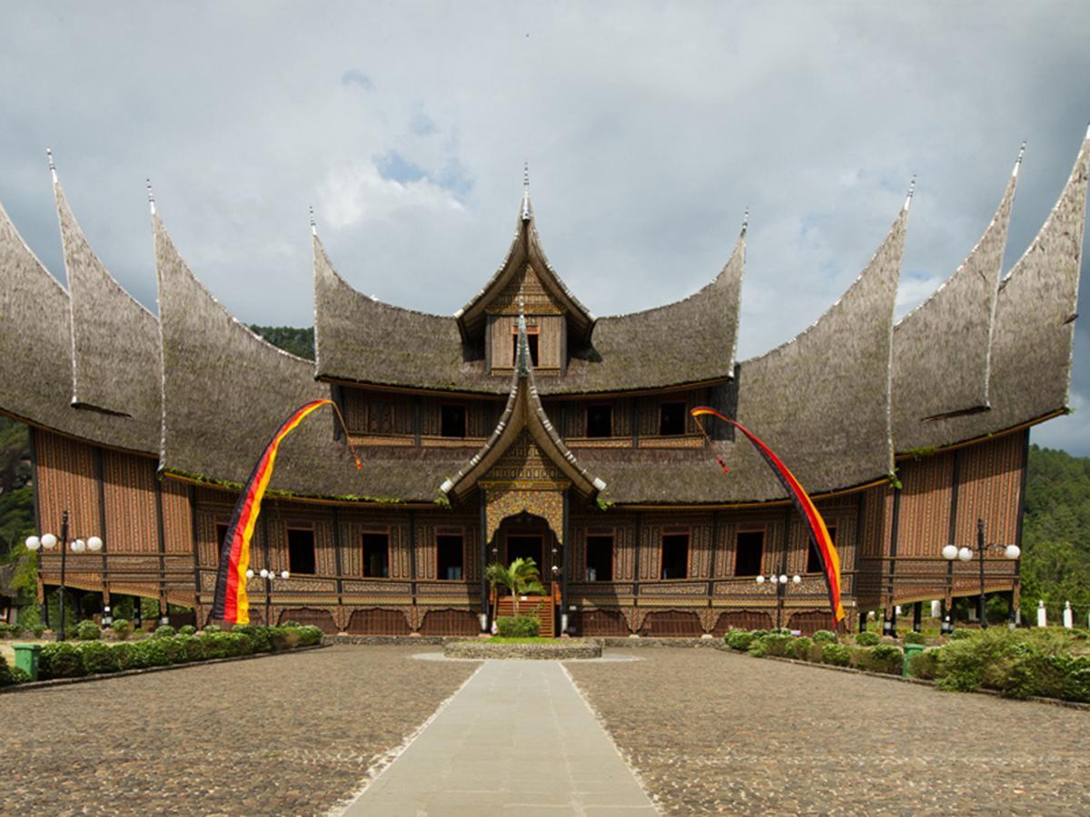مدينة بوكتيتنغي الجميله اندونيسيا