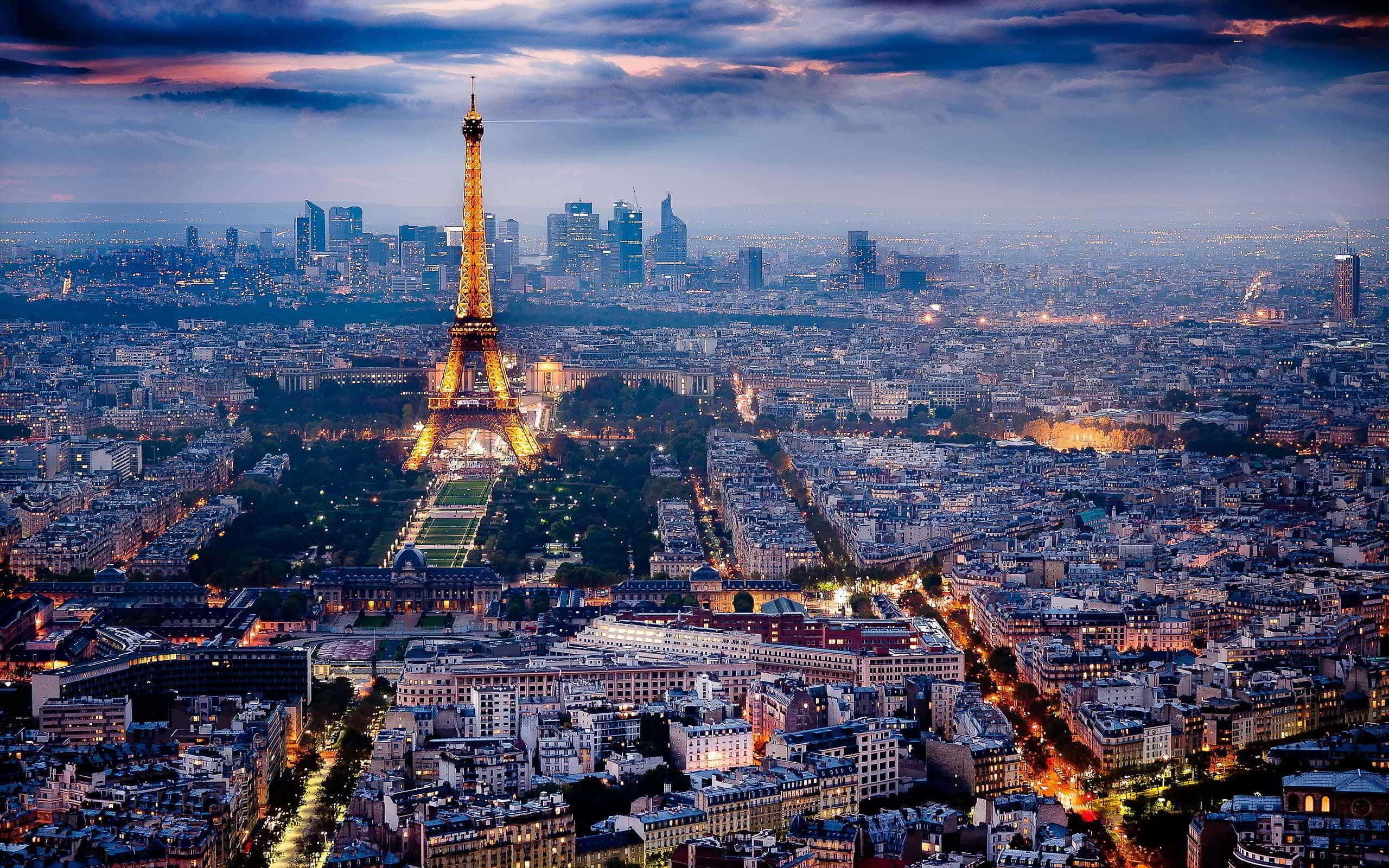 اشهر واجمل الساحات فى مدينة باريس فرنسا