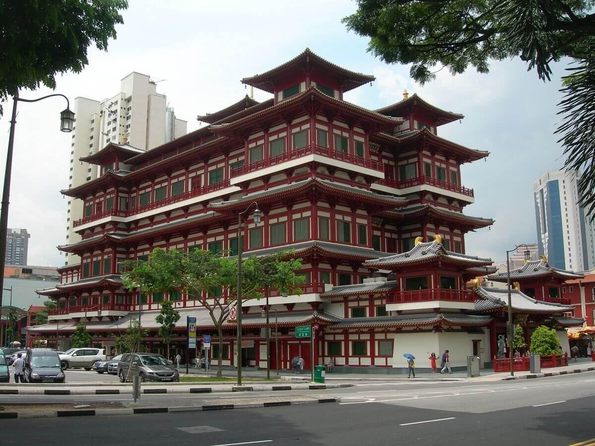 1200px-معبد سن بوذا الاثرى فى سنغافورة