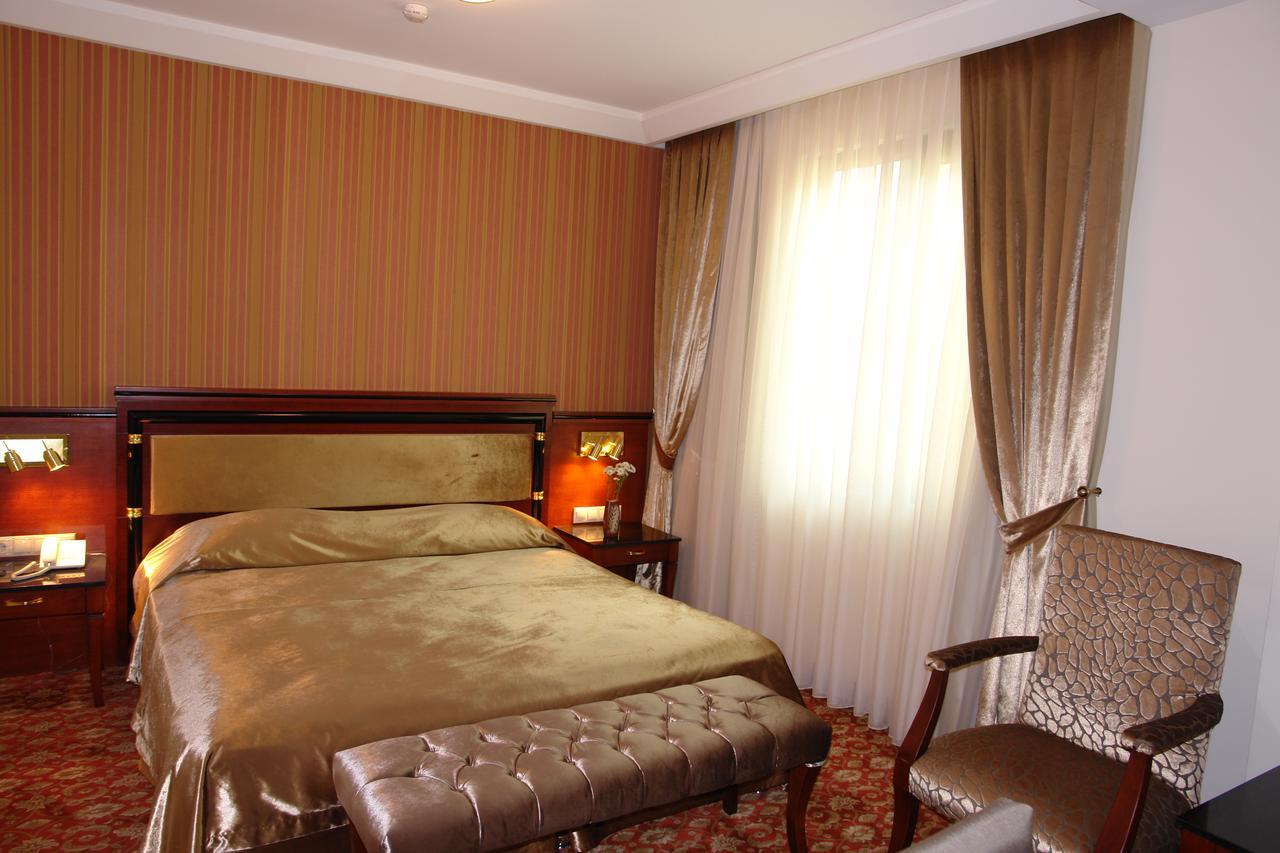فندق آتروبات