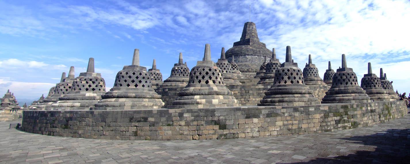 زيارة إلى معبد بوروبودور بجاوه