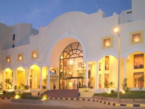 صن رايز هوليدايز ريزورت  Sunrise Holidays Resort