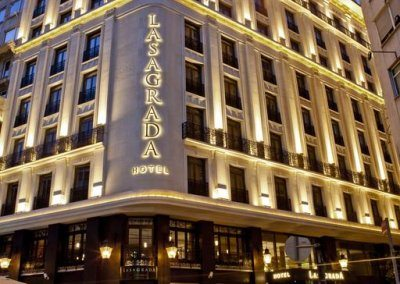 فندق لاساجرادا Lasagrada Hotel