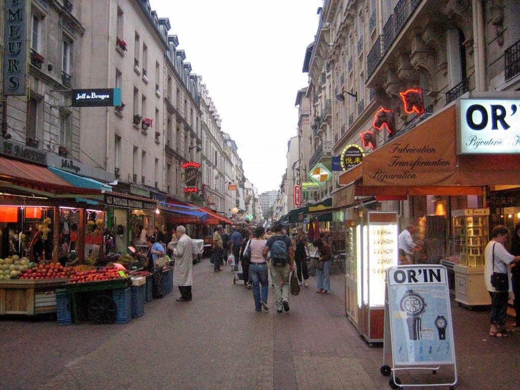 قرية لافالى باريس