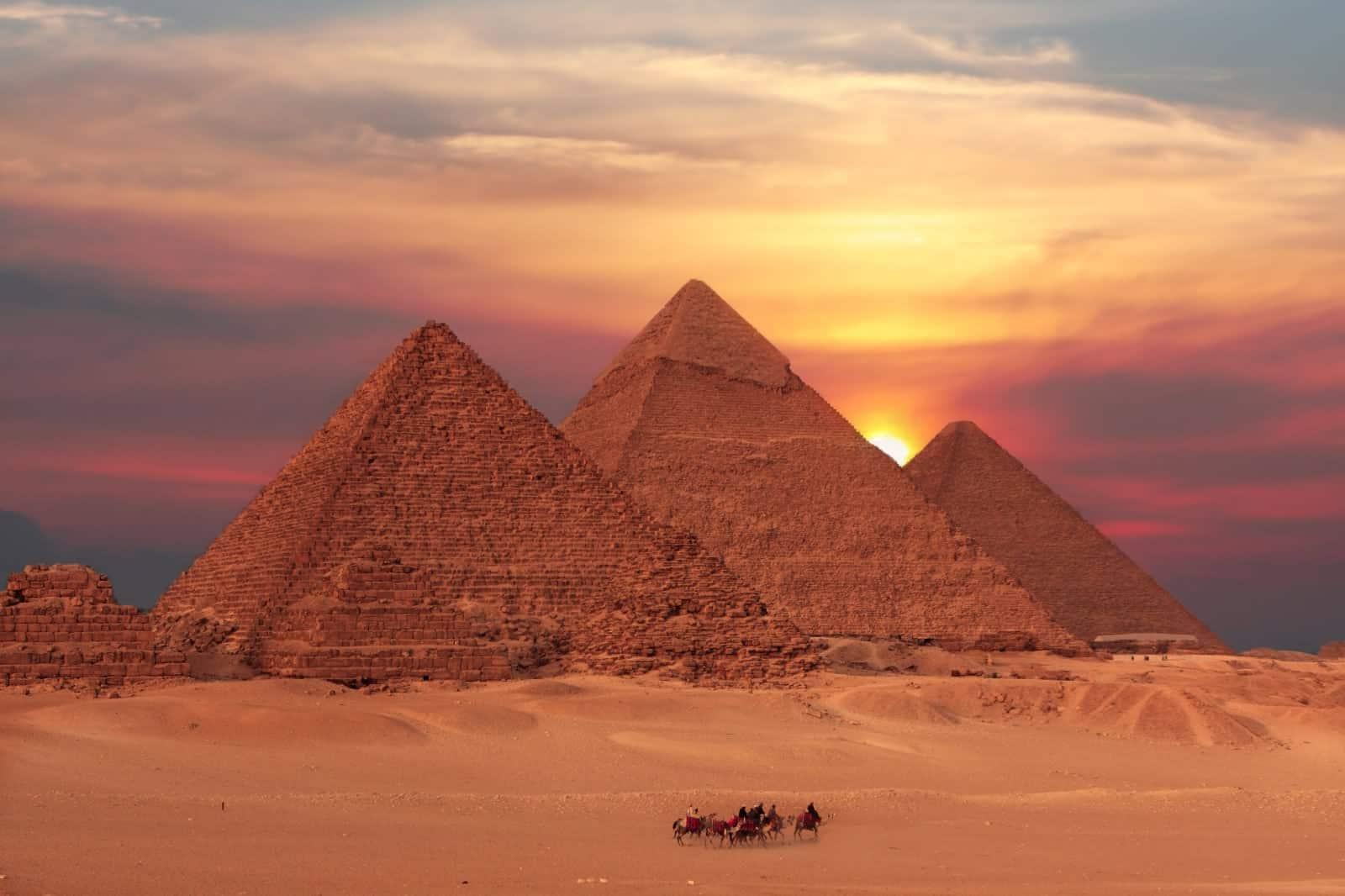 5 اسباب تدفعك لزيارة اهرامات الجيزة