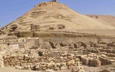 دير المدينة بالبر الغربي في الاقصر