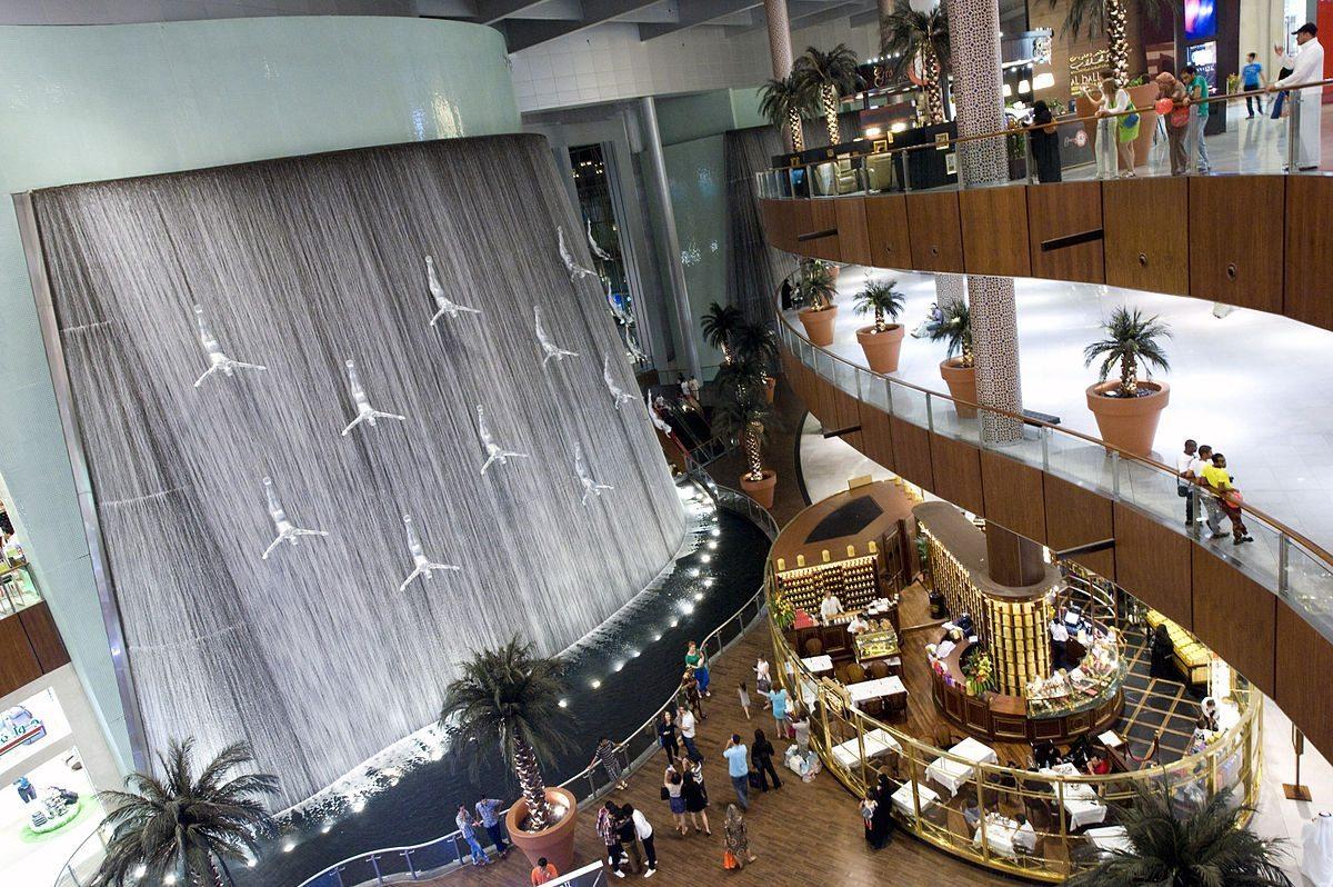 أنشطة في دبي مول في دبي الامارات