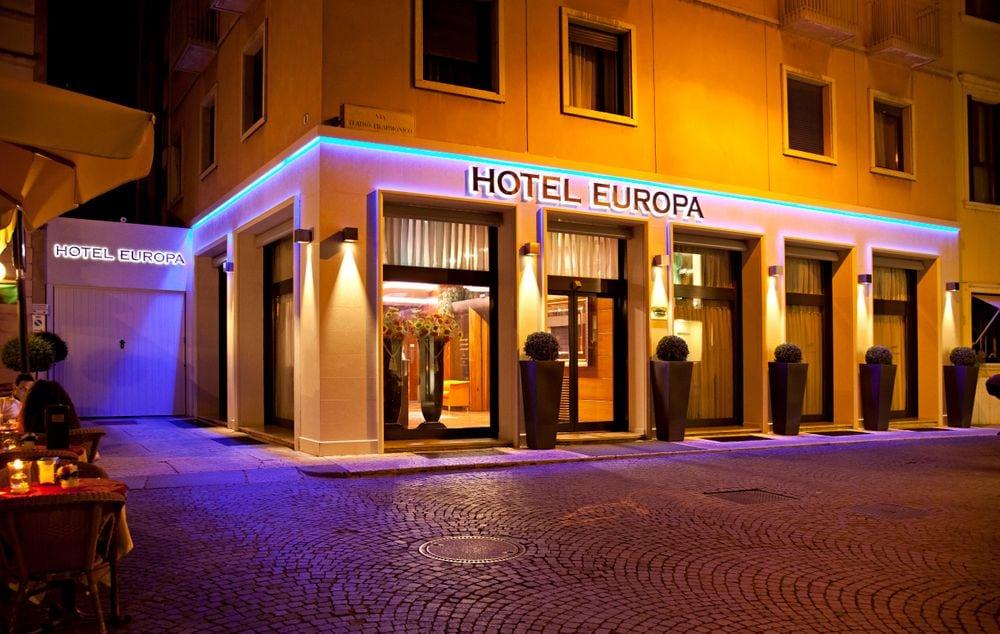 تعرف علي أفضل الفنادق في  جزيرة افسا