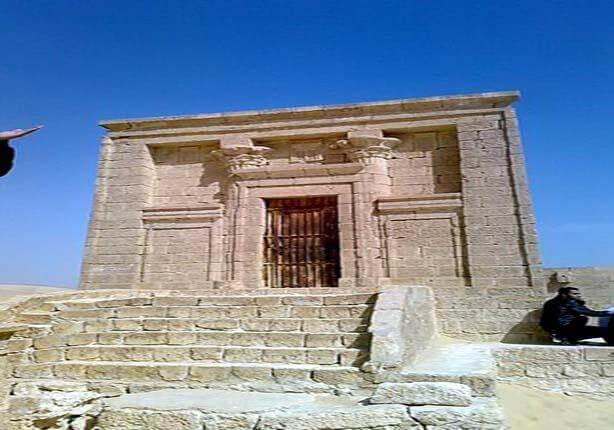 مقبرة پيتوزيريس تونه الجبل مصر