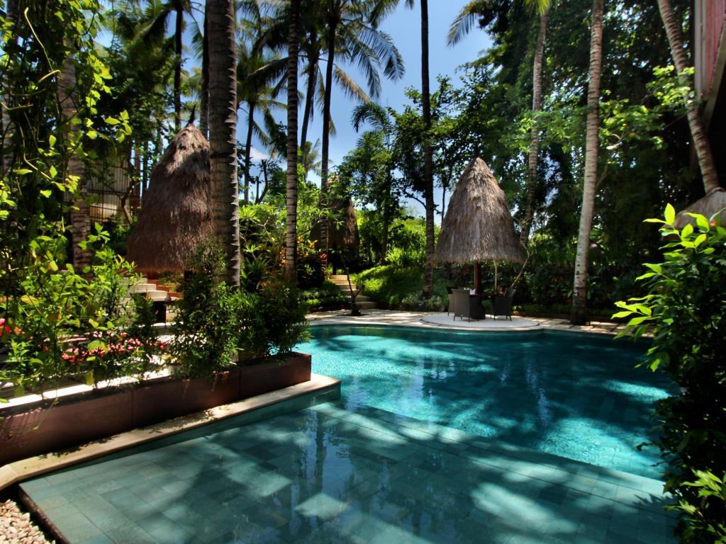 السياحة فى قرية ومنتجع جيمباران اندونيسيا