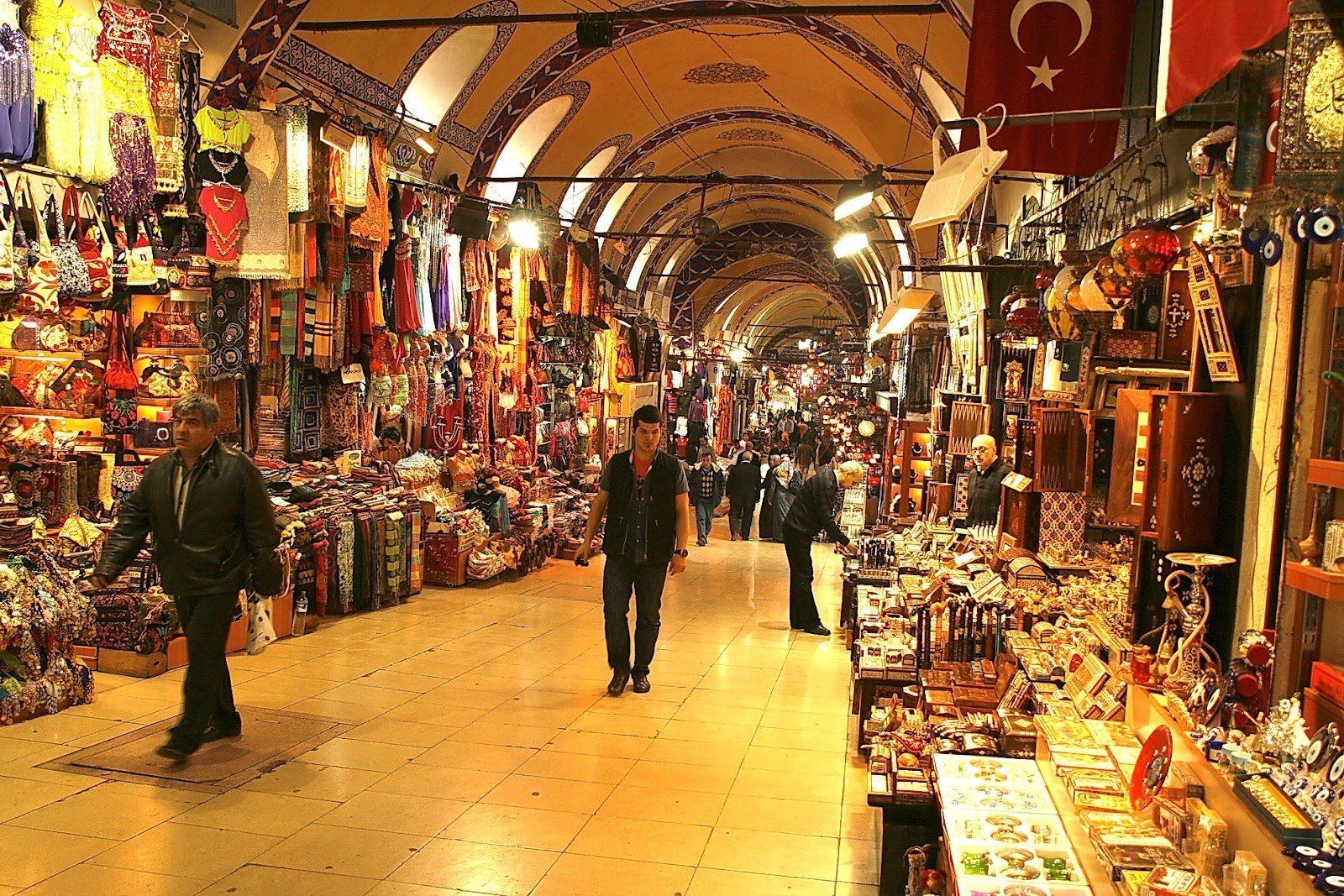 أنشطة في البازار الكبير اسطنبول تركيا