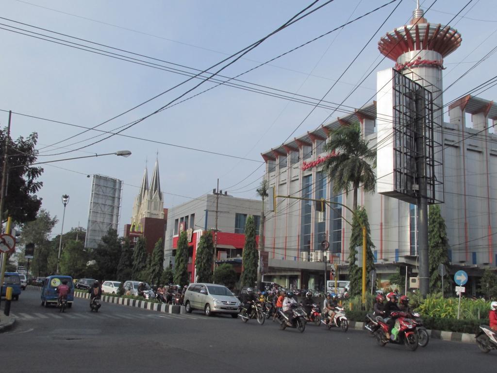 مالانغ روعة السياحة في إندونيسيا