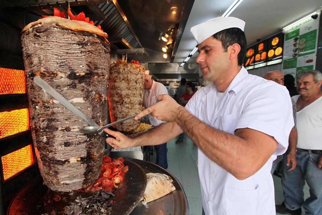 أشهر محلات الشاورما في دبي