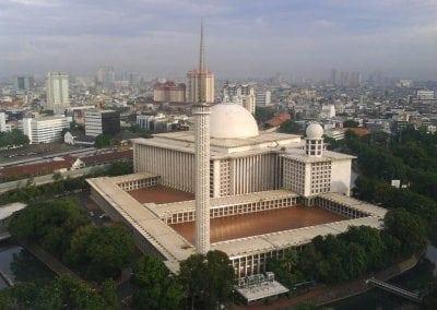اشهر المساجد فى اندونيسيا