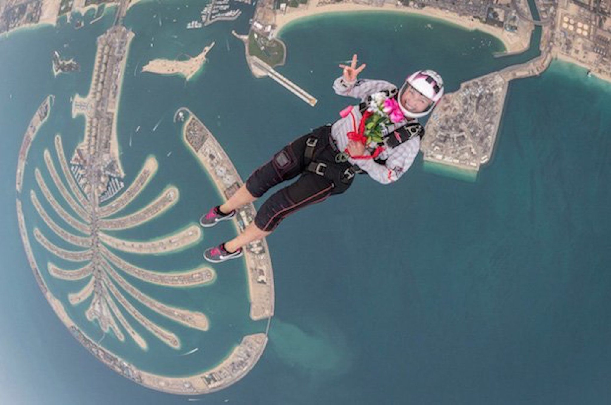 القفز المظلي في دبي