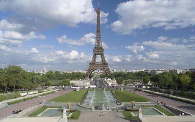 جولة في برج ايفل في باريس