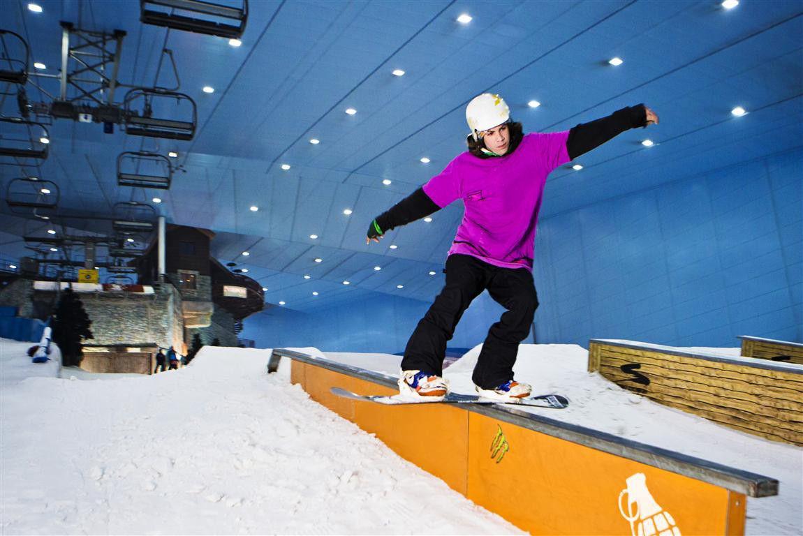 اكتشف روعه التزلج في سكي دبي